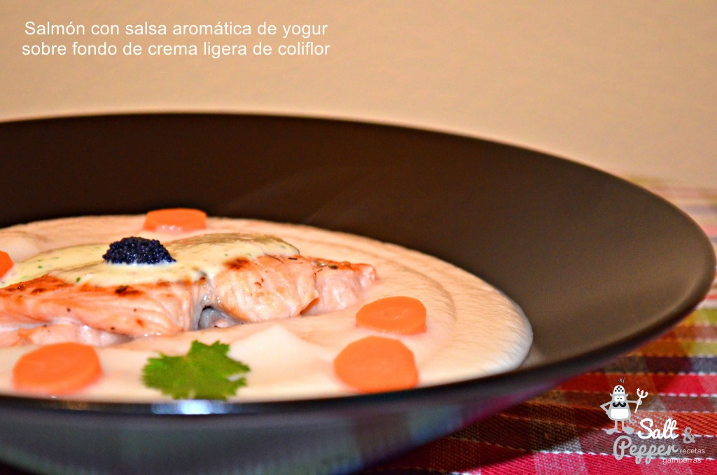 salmon_crema_coliflor_salsa_yogur