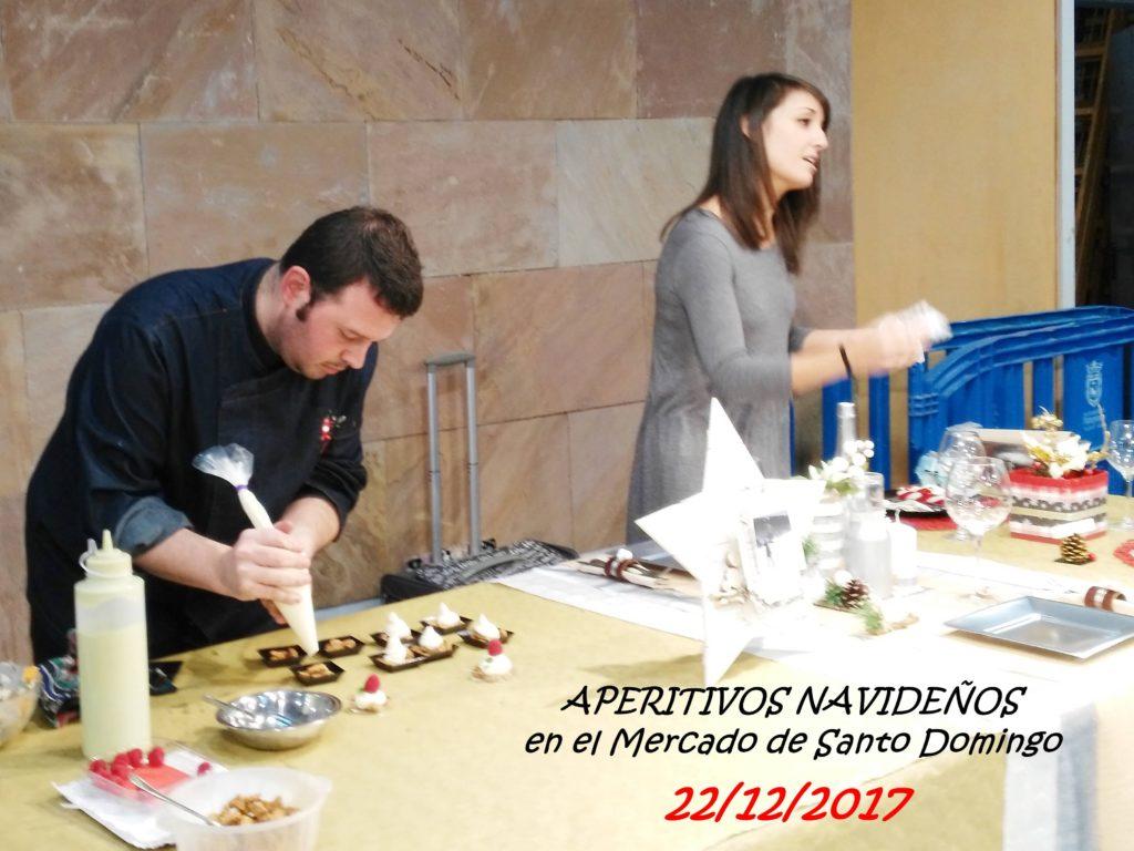 Aida Barón y David Poley impartiendo un taller de cocina y decoración navideña.