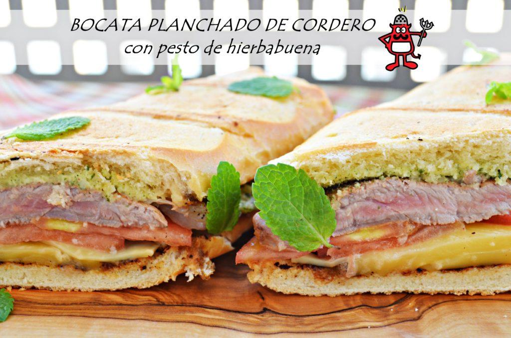Bocata de cordero de Navarra poco hecho acompañado por una salsa pesto de hierbabuena y queso del Roncal.