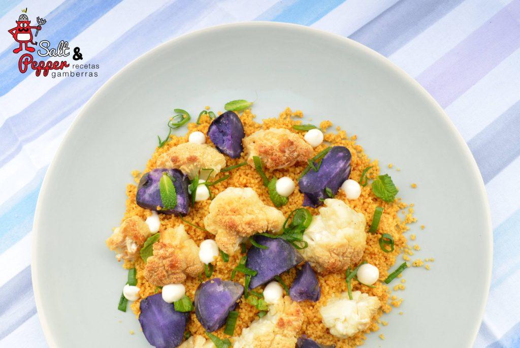 Coliflor asada sobre cuscús al curry con mayonesa de lima