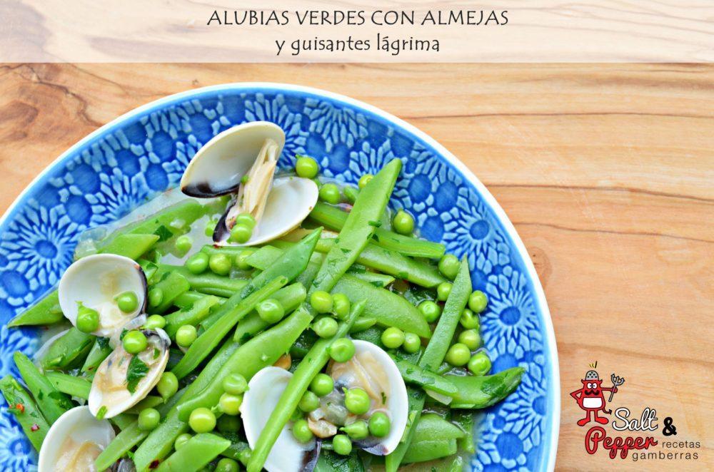 Plato de alubias verdes con almejas y guisantes lágrima.