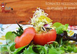 Tomates rellenos de ensalada arroz