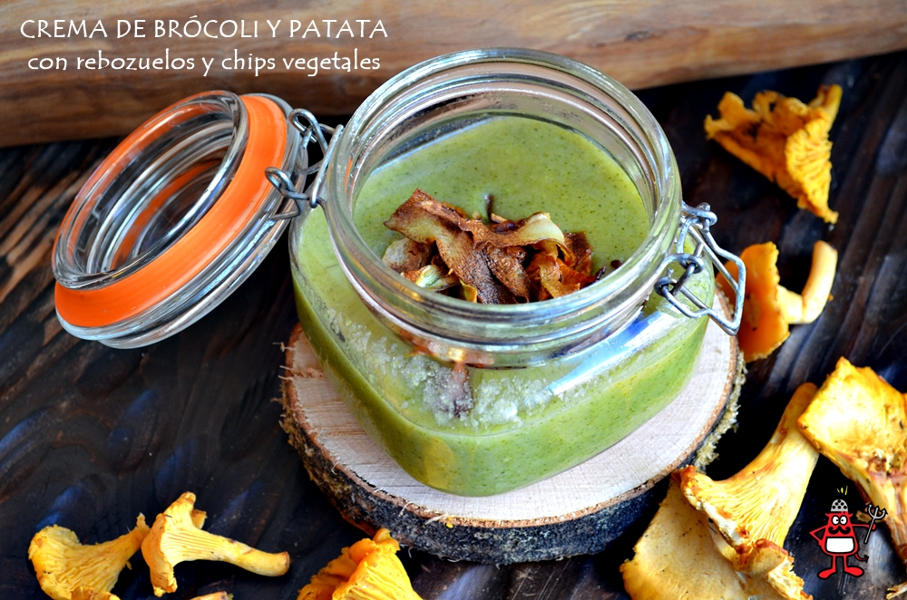 Crema de brócoli con chips elaborados con su propio tronco y setas salteadas.
