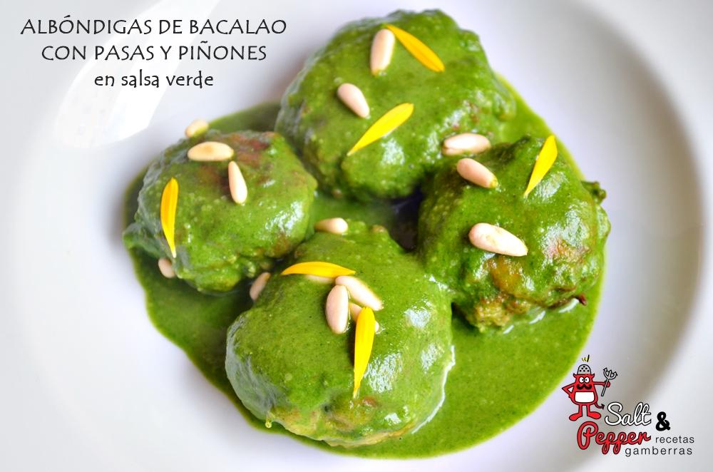 Plato de albóndigas de bacalao en salsa verde