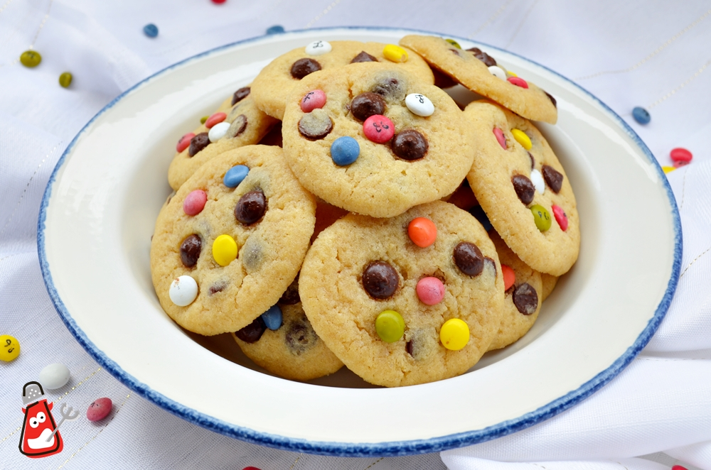 Cookies con chips de chocolate y lacasitos