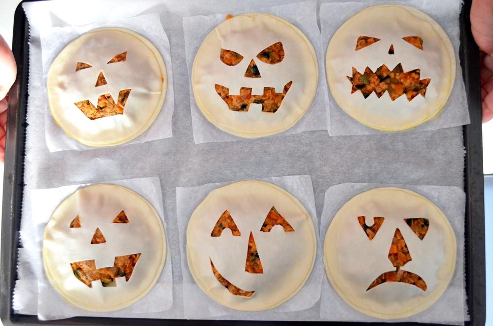 Empanadillas con aspecto de calabaza de Halloween